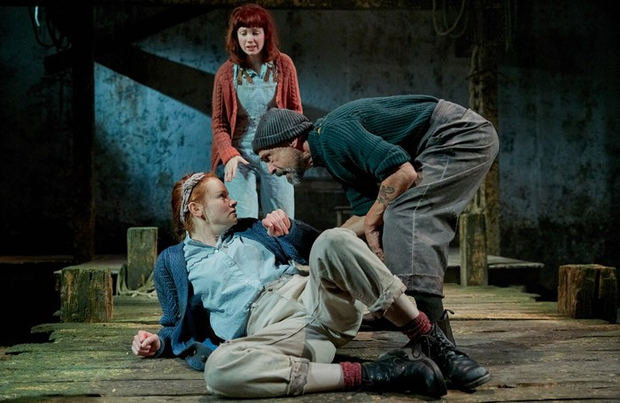orca-at-southwark-playhouse-rona-morrison-maggie-carla-langley-fan-and-simon-gregor-joshua1-700x455